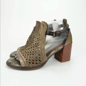 OTBT Metaphor Bronze Metallic Block Heel Sandal